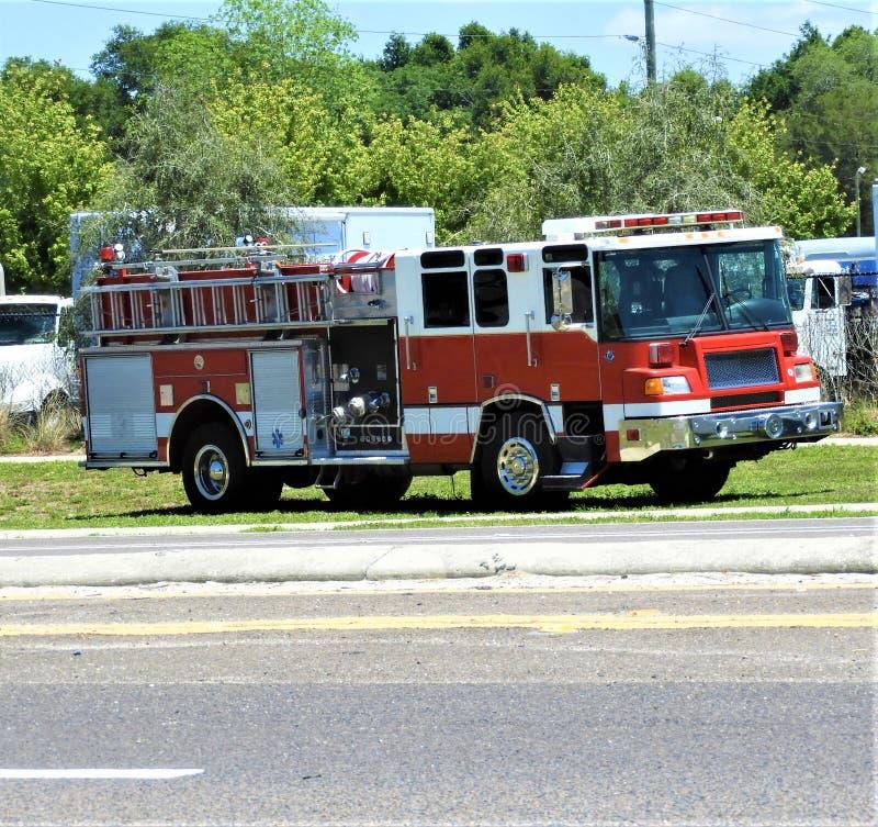 Klasyk w połowie opóźniony 1990&-x27; s samochód strażacki obraz stock