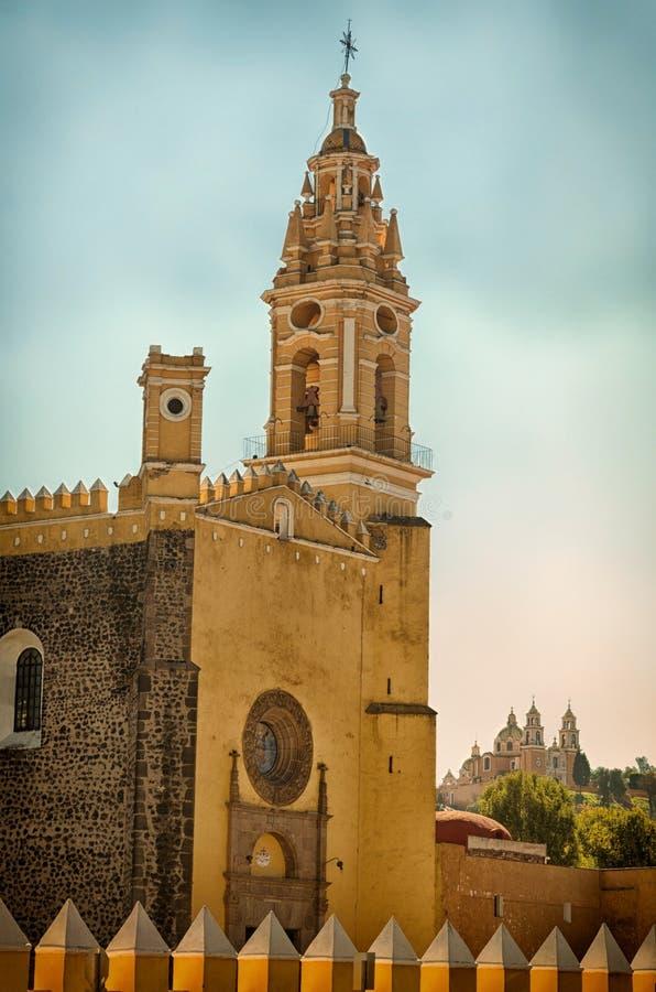 Klasztor San Gabriel i kościół Nasz dama remedia w Cholula, Meksyk obraz stock