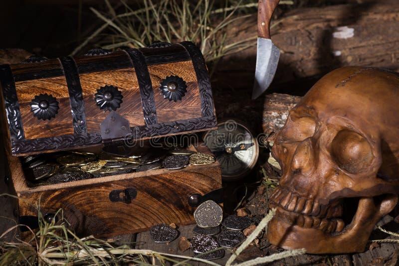 klatki piersiowej pirata skarb obrazy royalty free