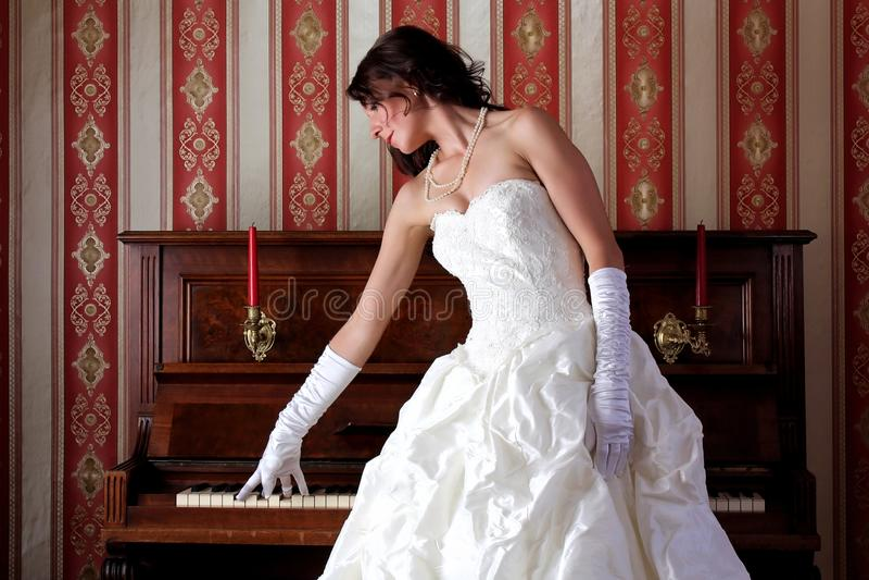 Am Klavier stockfoto
