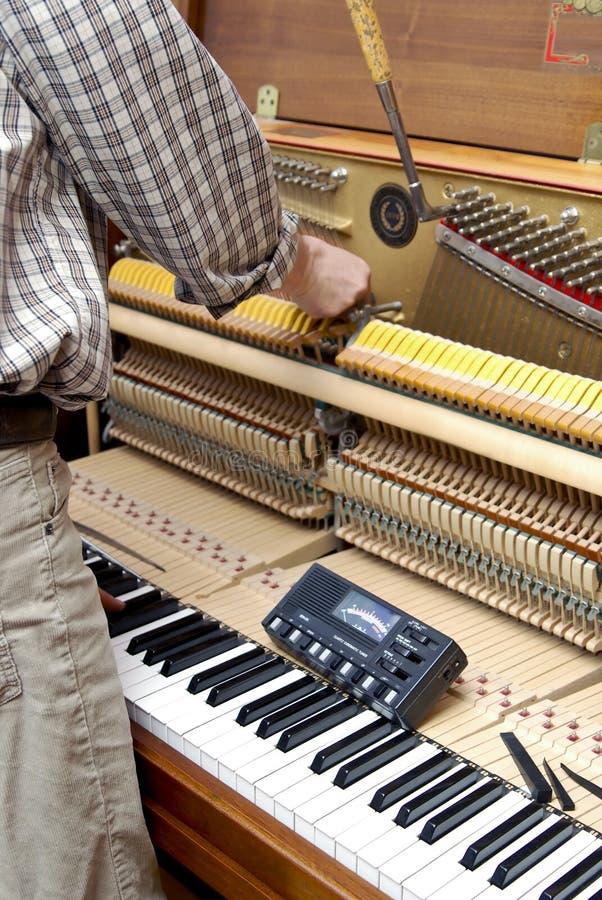 Klavierjustage lizenzfreies stockbild