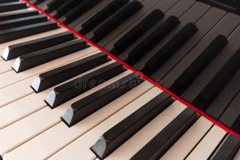 Klaviertastatur - Klavierschlüssel stockbilder