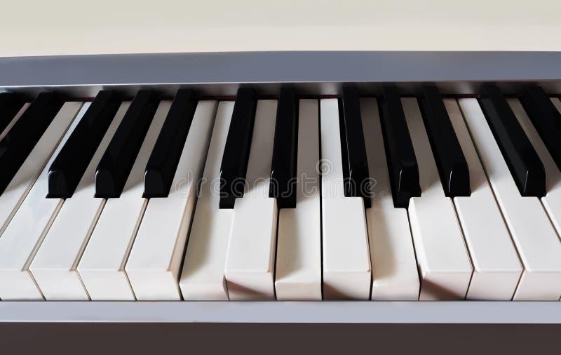 Download Klaviertastaturnahaufnahme stockfoto. Bild von ausrüstung - 90225914