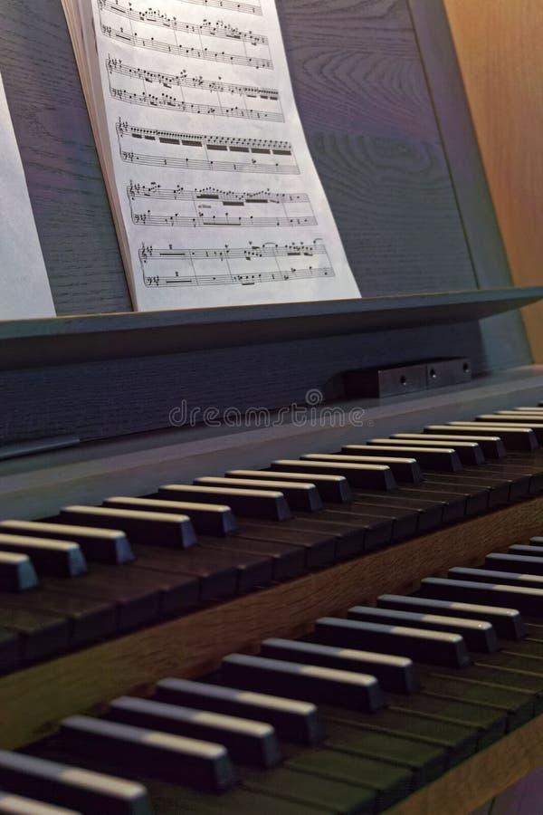 Klawiatura od fajczanego organu notepaper i zdjęcia royalty free