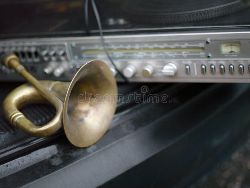 Klaxon dans une voiture photographie stock