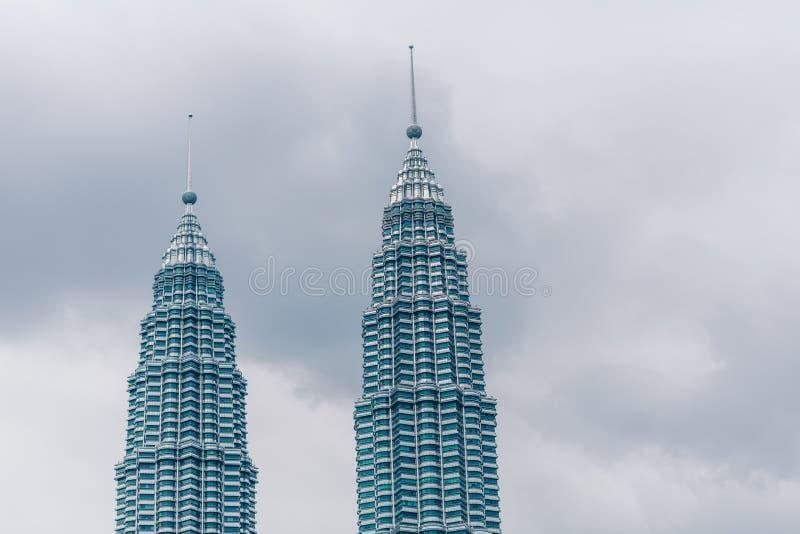 KLCC, Kuala Lumpur Le torri gemelle famose di Petronas Lo scrapper del cielo della torre gemella della Malesia fotografia stock