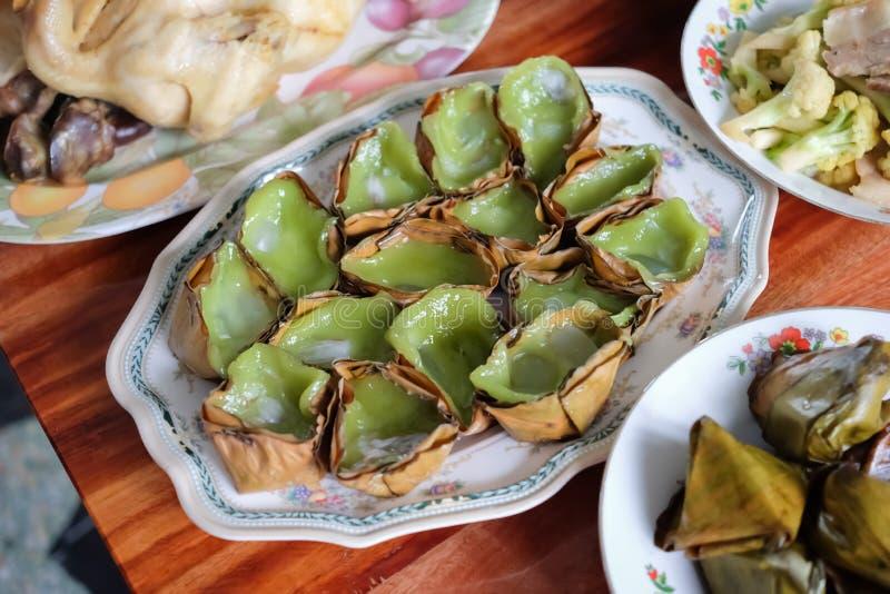 Klebriger Reis-Kuchen oder Nian Gao für Lohnrespekt zum Vorfahr, zum chinesischen neuen Jahr und zu Qingming-Festival lizenzfreie stockbilder