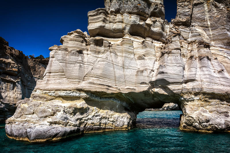 Kleftiko, Milos Insel, Cycladen, Griechenland lizenzfreie stockfotografie