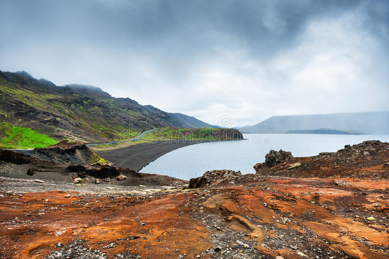 Kleifarvatn jezioro w Reykjanes półwysepie, Iceland zdjęcia stock