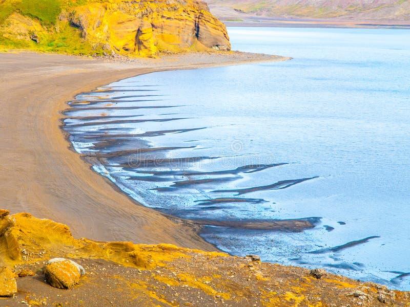 Kleifarvatn - wielki jezioro na Reykjanes półwysepie w Iceland zdjęcie stock