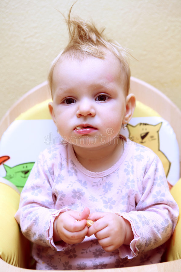 Klein babymeisje stock afbeelding