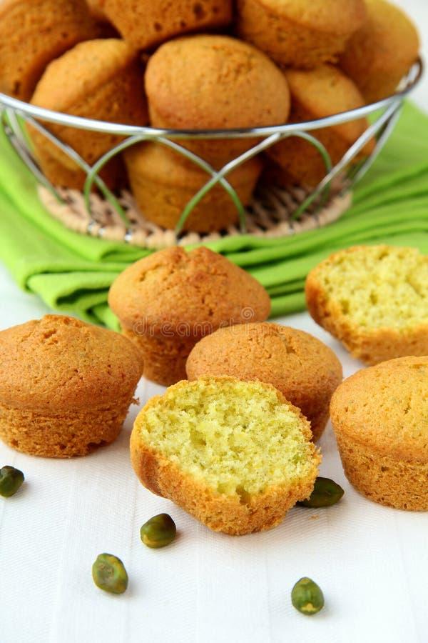 Klein cupcakesdessert met pistaches stock foto's