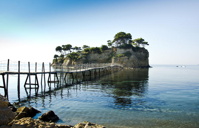 Klein eiland in Zakynthos stock afbeeldingen