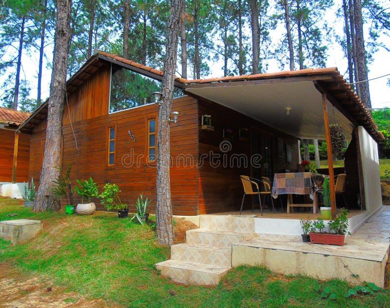Klein houten huis - het land van Brazilië royalty-vrije stock afbeelding