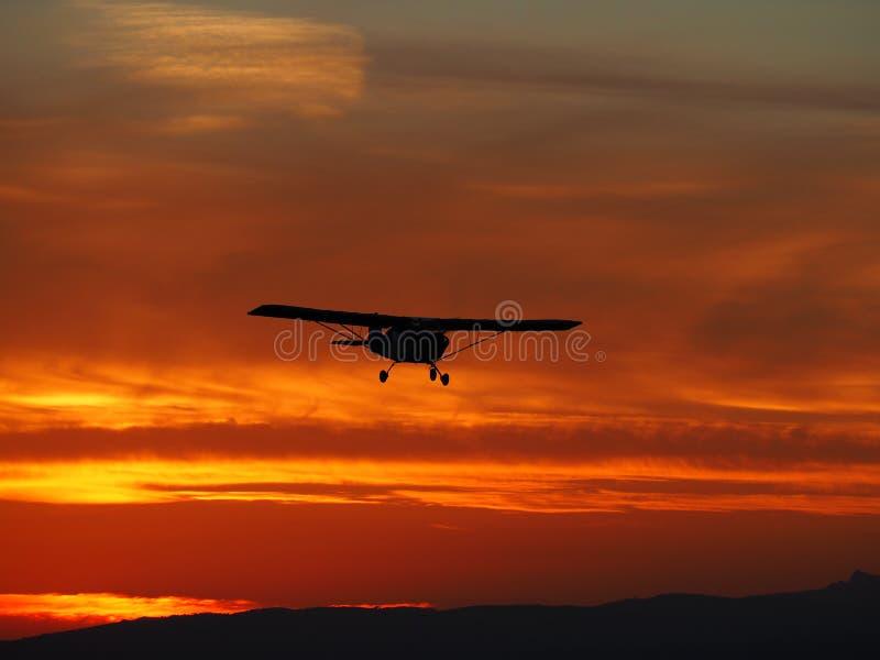 Klein landend vliegtuig royalty-vrije stock afbeeldingen