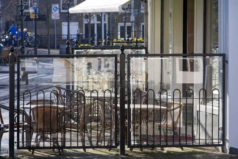 Klein openluchtstraatrestaurant royalty-vrije stock afbeelding