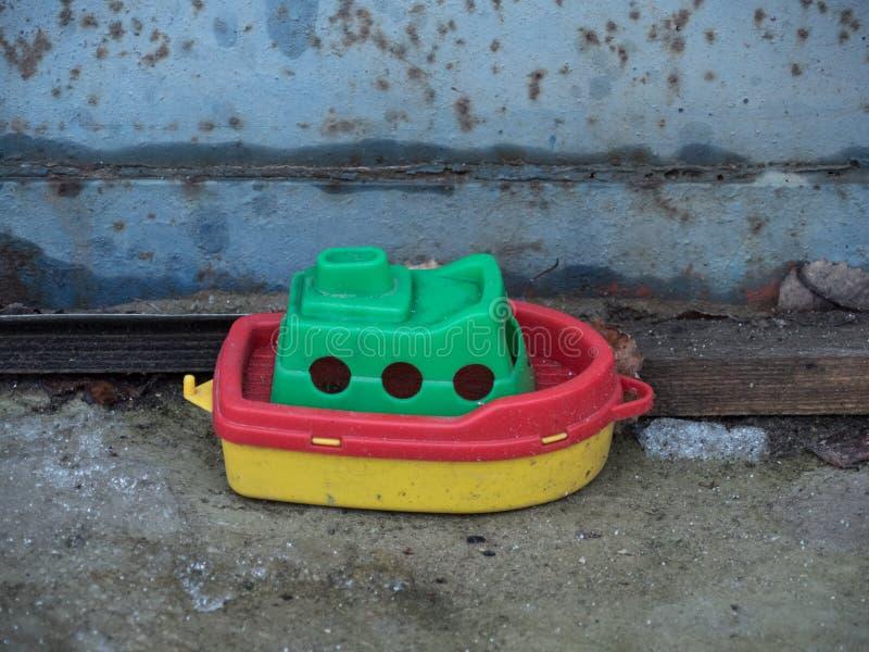 Klein stuk speelgoed schip royalty-vrije stock foto