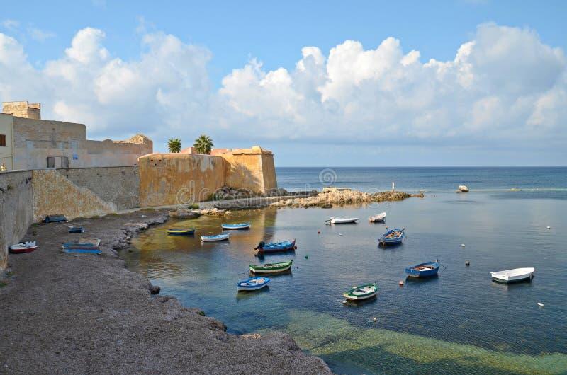 Kleine baai in Trapan, Italië royalty-vrije stock afbeelding