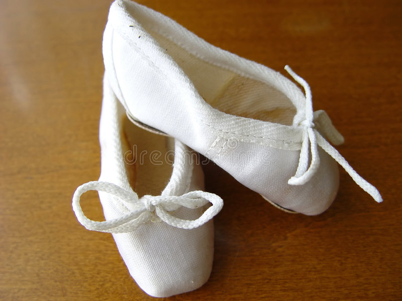 Kleine Ballettschuhe lizenzfreie stockbilder