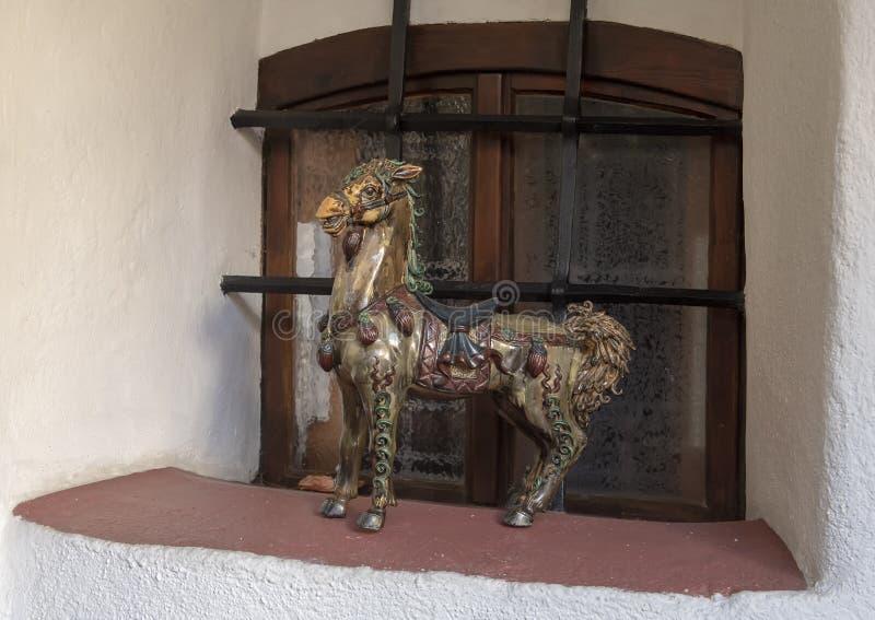 Kleine barocke Statue eines Pferds im Hotel-Restaurant Zum Schwarzen Baren, Emmersdorf ein der Danau, Österreich lizenzfreie stockbilder