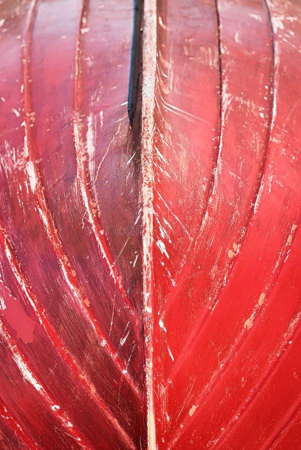 Kleine bootbovenkant - neer met rode kiel royalty-vrije stock afbeeldingen