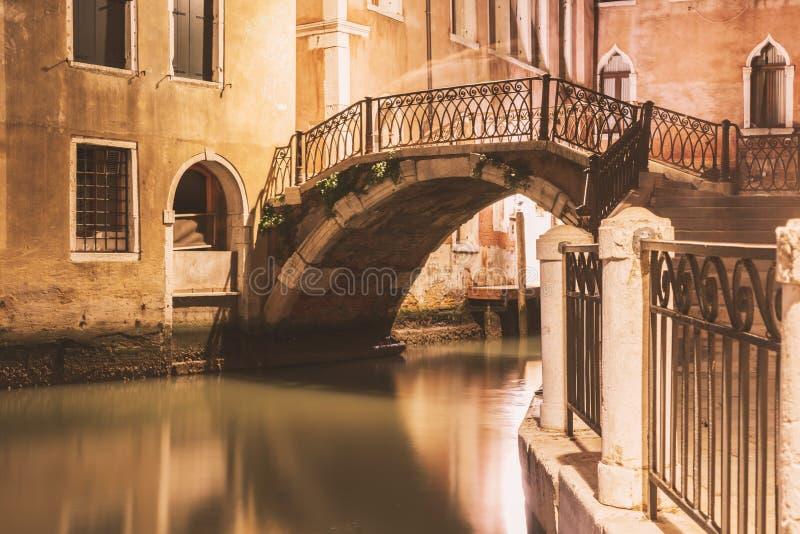 Kleine Br?cke in Venedig lizenzfreie stockfotos