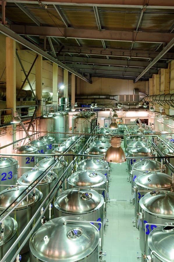 Kleine Brauerei, ein Shop für Biergärung lizenzfreie stockfotografie