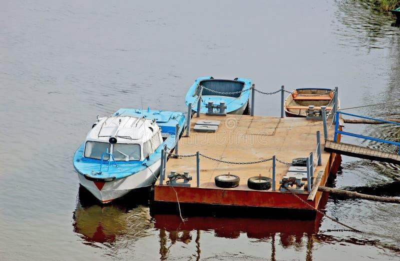 Kleine burgerlijke boot stock fotografie