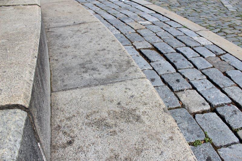 Kleine cobbled Treppenhäuser lizenzfreie stockfotos