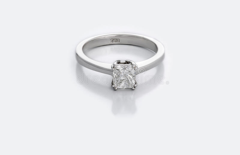 Kleine Diamond Solitaire Engagement of Trouwring royalty-vrije stock fotografie