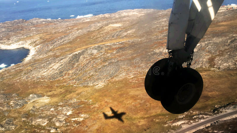 Kleine Flugzeuglandung in Grönland lizenzfreie stockbilder