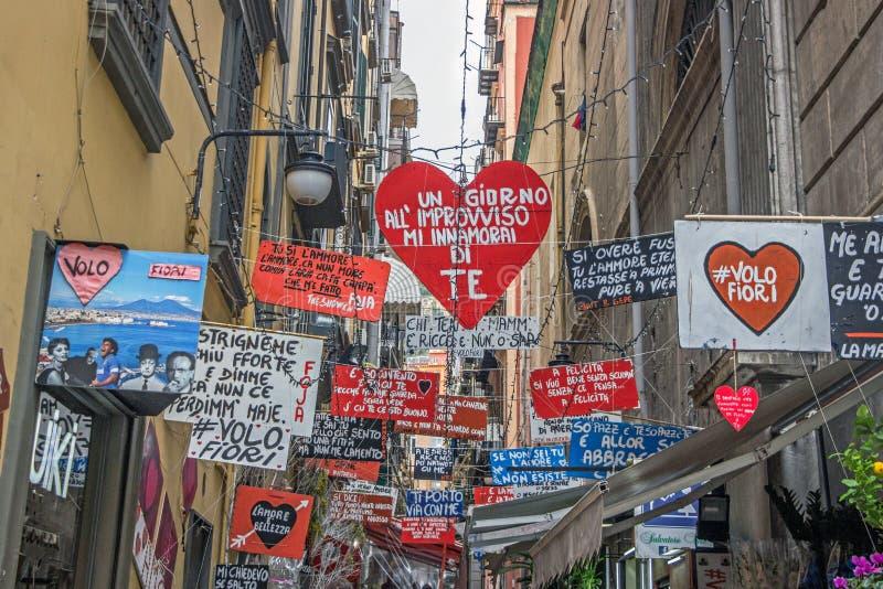 Kleine Gasse in Neapel stockbilder