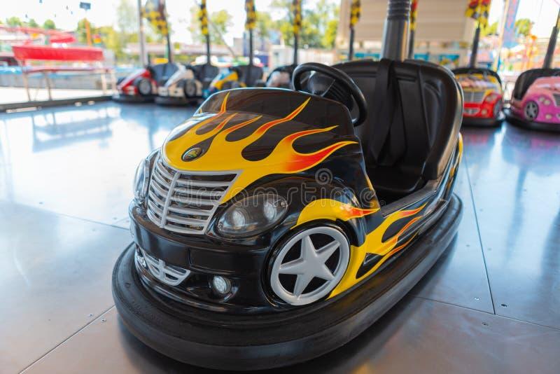 Kleine gekleurde bumperauto voor kinderen royalty-vrije stock fotografie