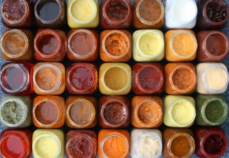 Kleine gekleurde flessen royalty-vrije stock afbeeldingen