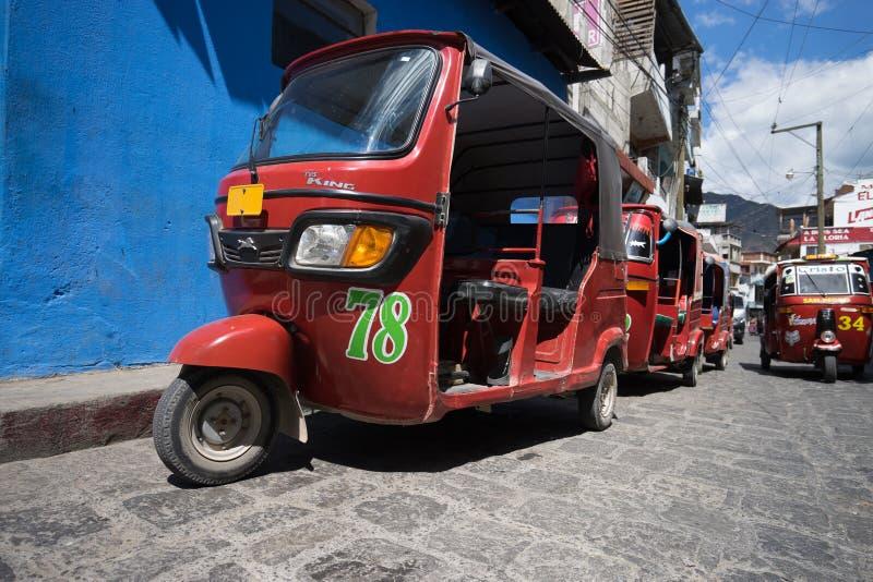 Kleine gemotoriseerde taxis in Guatemala royalty-vrije stock foto's