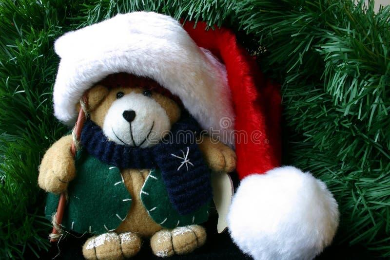 Download Kleine Gevulde Teddybeer Die De Hoed Van De Kerstman Draagt Stock Afbeelding - Afbeelding bestaande uit draagt, claus: 294199