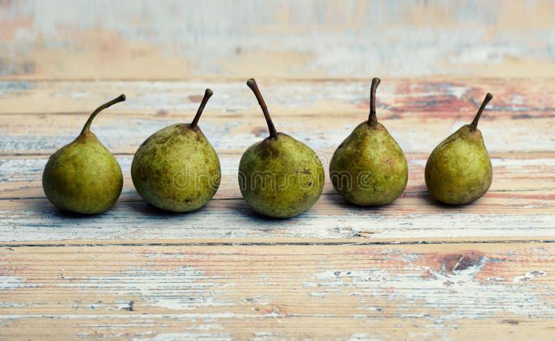 Kleine grüne Birnen lizenzfreie stockfotografie