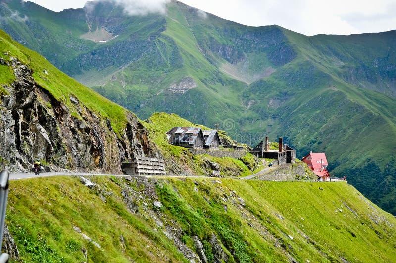 Kleine Häuser von Transfagarasan lizenzfreie stockfotografie