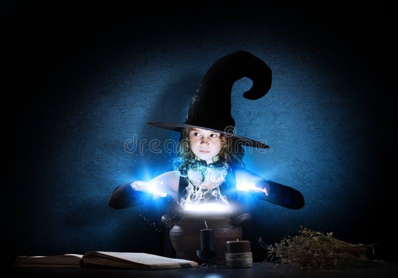 Kleine Hexe stockfotografie