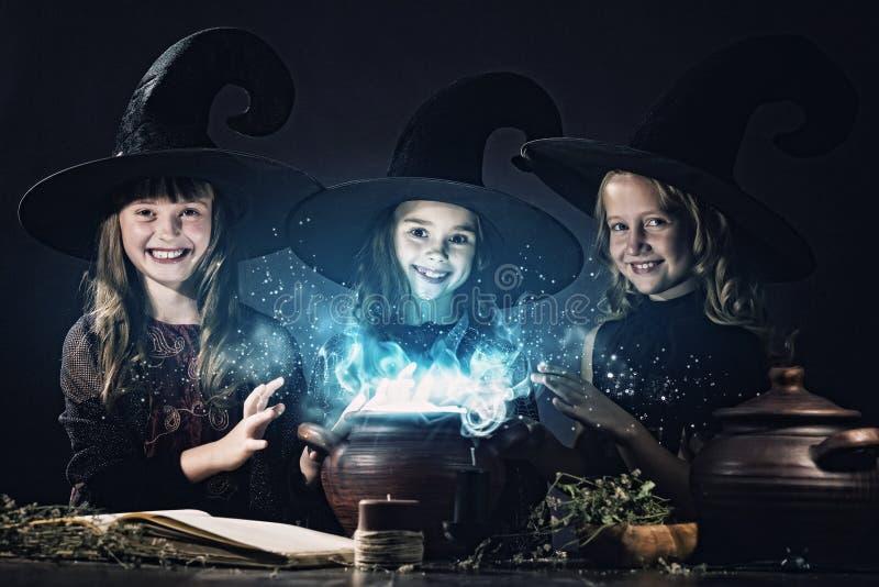 Kleine Hexen stockbild