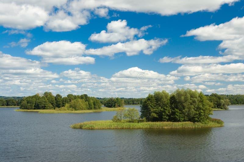 Download Kleine Inseln stockfoto. Bild von nave, insel, cloudscape - 26363802