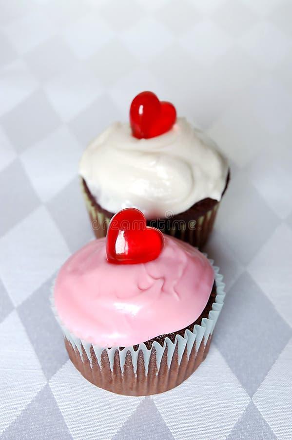 Kleine Kuchen des Valentinsgrußes lizenzfreies stockfoto