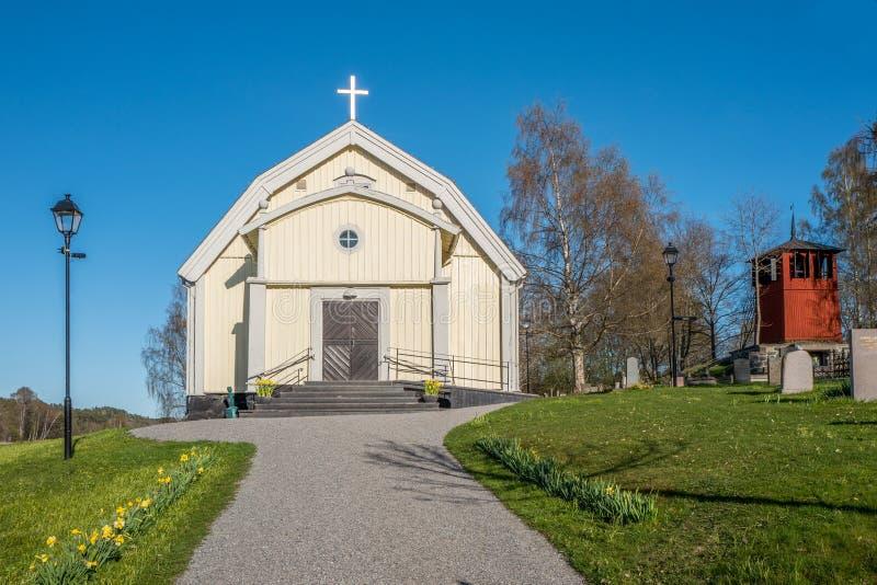 Kleine Landschaftskirche in Schweden lizenzfreies stockbild