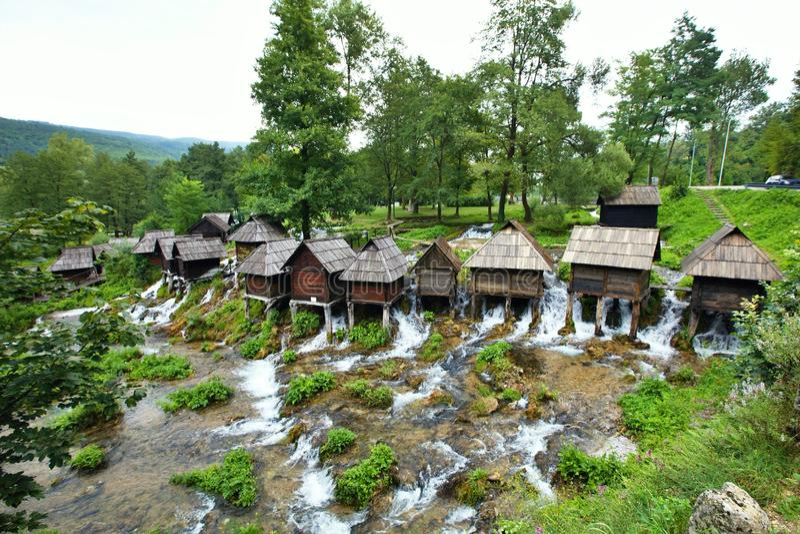 Kleine Mühle im Bereich von Plic Seen, Bosnien Herzegovina stockbild