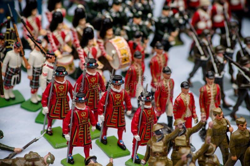 Kleine militairen voor verkoop bij Portobello-Markt royalty-vrije stock foto