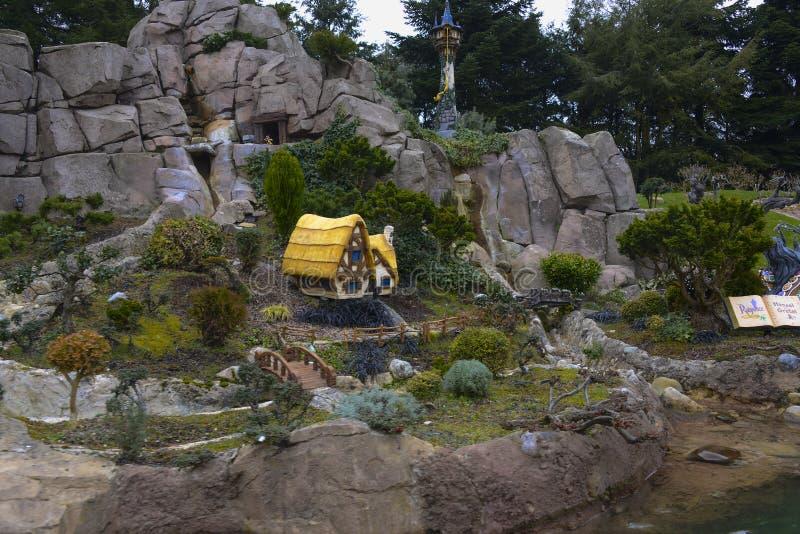 Kleine Modellen van verhalen Disney in Disneyland, Parijs stock foto's