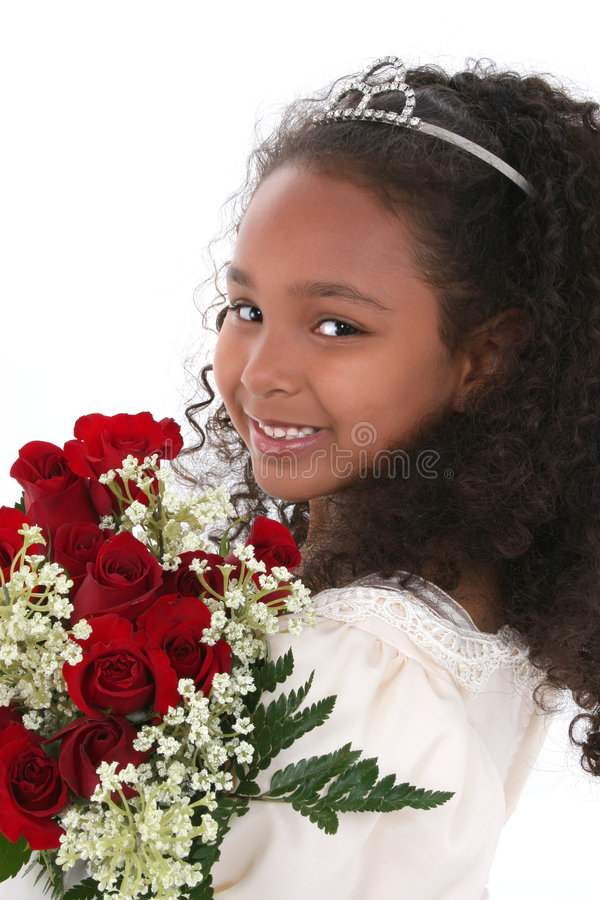 Kleine Prinzessin With Tiara und Rosen stockfotos