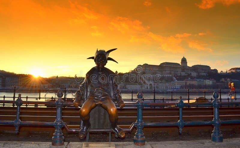 Kleine Prinzessinstatue Budapest Ungarn lizenzfreie stockfotografie