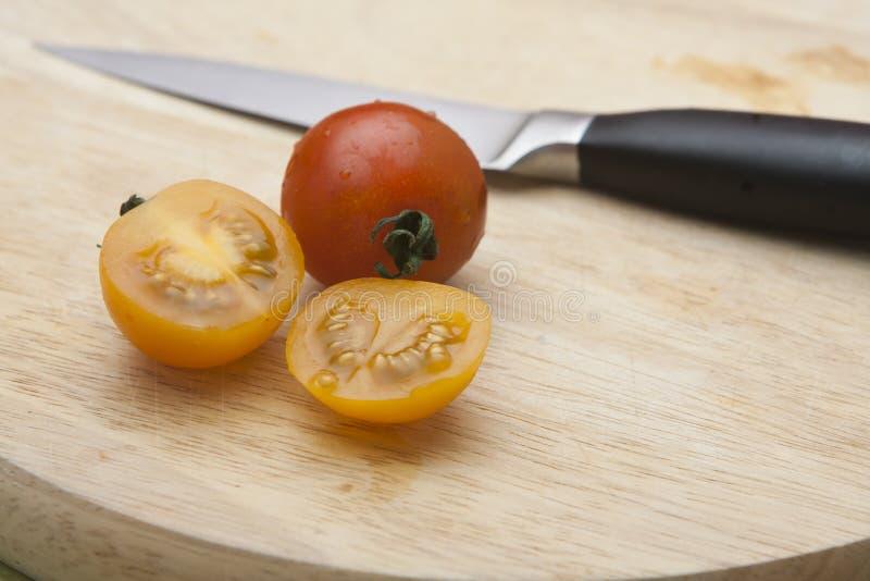 Kleine rijpe tomaten royalty-vrije stock foto's