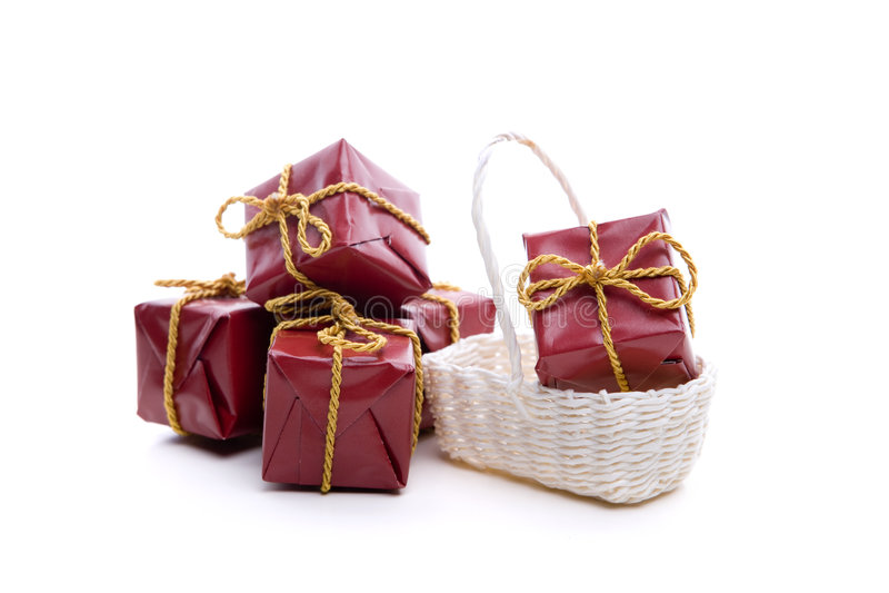 Kleine rote Weihnachtsgeschenke lizenzfreies stockbild